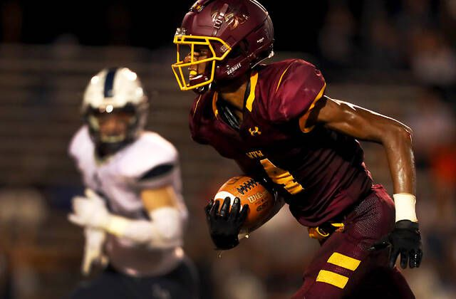 <p>Wyoming Valley West Maki Wells returns a kickoff in the second quarter for a59 yards against Abington Heights on Friday night at Spartan Stadium in Kingston.</p>                                  <p>Fred Adams   For Times Leader</p>